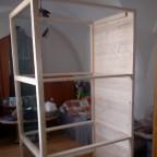 Der Käfig im Wohnzimmer schon fast an seinem Platz :D